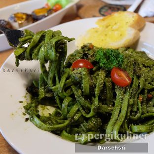 Foto 1 - Makanan di B.F.F Kitchen oleh Darsehsri Handayani