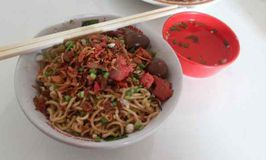 Mie Keriting Sri Horas