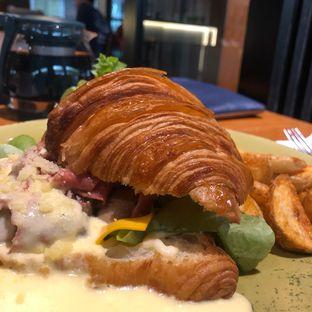 Foto 3 - Makanan(Beef And Mushroom Carbonara Sandwich) di Bellamie Boulangerie oleh syandra adivia