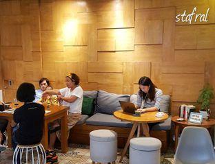 Foto 1 - Interior di Sleepyhead Coffee oleh Stanzazone