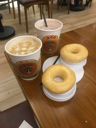 Foto 16 - Makanan di J.CO Donuts & Coffee oleh Prido ZH