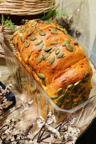 Foto 1 - Makanan di Francis Artisan Bakery oleh thehandsofcuisine