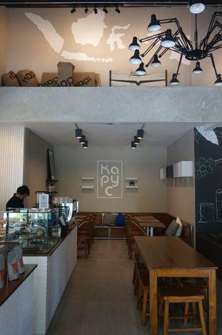 Foto 17 - Interior di Kapyc Coffee & Roastery oleh yudistira ishak abrar