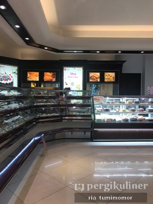 Foto review Holland Bakery oleh Ria Tumimomor IG: @riamrt 3