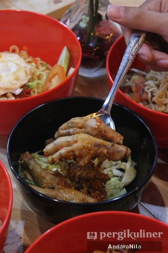 Foto Makanan di Ropang Merah Putih