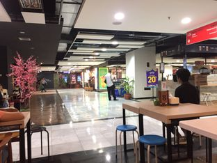Foto 3 - Interior(Masih ) di Kesawan Resto oleh fahri haikal