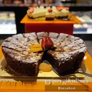 Foto review Satoo Garden Restaurant & Lounge - Hotel Shangri-La oleh Darsehsri Handayani 40