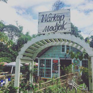 Foto 4 - Eksterior di Waroeng Kopi Modjok (Warkop Modjok) oleh Astrid Huang | @biteandbrew