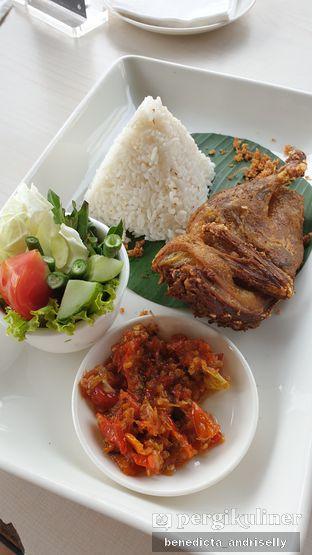 Foto 3 - Makanan di Lake View Cafe oleh ig: @andriselly