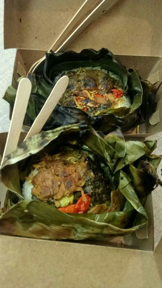 Foto Makanan di Warung Maem