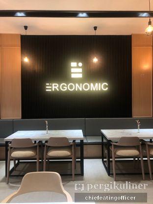 Foto 11 - Interior di Ergonomic Coffee & Lounge oleh Cubi