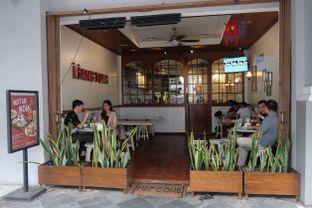 Foto 10 - Eksterior di Hang Tuah Kopi & Toastery oleh Pengembara Rasa