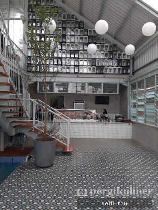 Foto 4 - Interior di Warung Nako oleh Selfi Tan