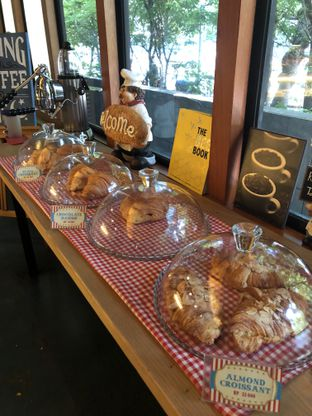 Foto 10 - Makanan di Blumchen Coffee oleh Nanakoot