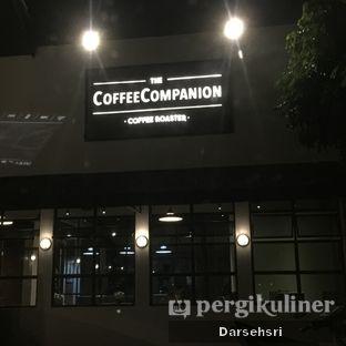 Foto 11 - Eksterior di The CoffeeCompanion oleh Darsehsri Handayani