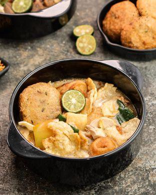 Foto 6 - Makanan di Soto Betawi Nyonya Afung oleh Makan Samacici