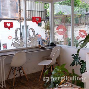 Foto 5 - Interior di Toko Kopi Roompi oleh Darsehsri Handayani