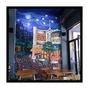 Foto 1 - Interior(Mural di bagian dalam cafe) di Myloc Bandung oleh Vie Asano