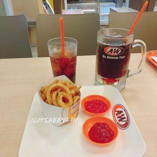 Foto 2 - Makanan di A&W oleh abigail lin