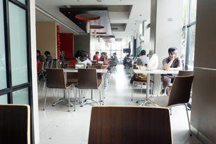 Foto 2 - Interior di Carl's Jr. oleh Nisanis