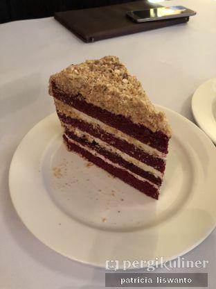 Foto 4 - Makanan(Red Velvet Cake) di Union Deli oleh Patsyy