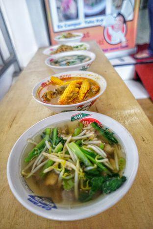 Foto 6 - Makanan di Bakmi Bangka Rosela 77 oleh Nanakoot