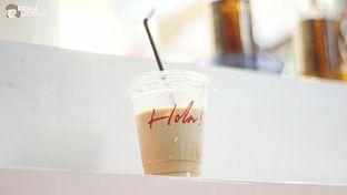 Foto 3 - Makanan(Es Kopi Susu) di Hola! Koffie oleh @demialicious
