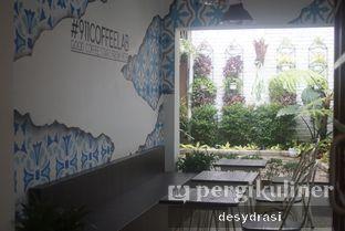 Foto 4 - Interior di 911 Coffee Roastery oleh Desy Mustika