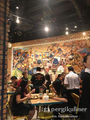 Foto 8 - Interior di Thai Street oleh riamrt