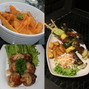 Foto 2 - Makanan di Level 03 Rooftop & Grill by Two Stories oleh separuhakulemak