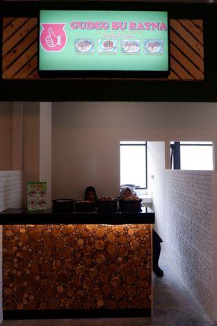 Foto 7 - Interior di Gudeg Bu Ratna oleh Mariane  Felicia