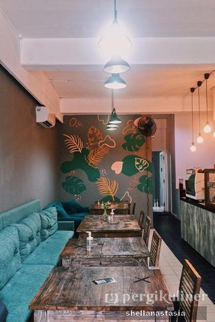 Foto 8 - Interior di PLUIE Cafe & Resto oleh Shella Anastasia