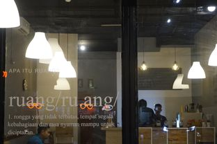 Foto 7 - Interior di Ruang Eatery & Coffee oleh yudistira ishak abrar