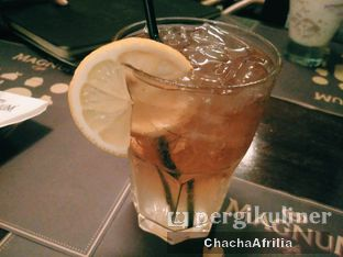 Foto 6 - Makanan(Ice Lemon Tea) di Magnum Cafe oleh Chacha Afrilia