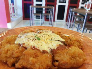 Foto 3 - Makanan(Ayamnya gede juga) di Meat Me Sio feat Sayapan Resto oleh makaninfoto