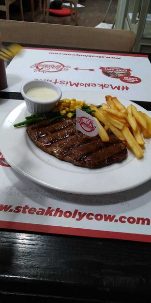 Foto - Makanan di Holycow! STEAKHOUSE by Chef Afit oleh Rurie