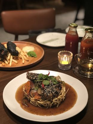 Foto 3 - Makanan(I Fumie Sesame Baramundi) di FLYNN Dine & Bar oleh feedthecat