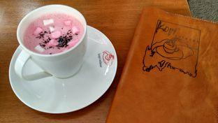 Foto 4 - Makanan(Red velvet hot chocolate) di Kopi Selasar oleh Shabira Alfath