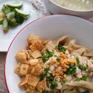 Foto 1 - Makanan(Yam Pangsit) di Bakmie Tjap Ayam oleh @mizzfoodstories