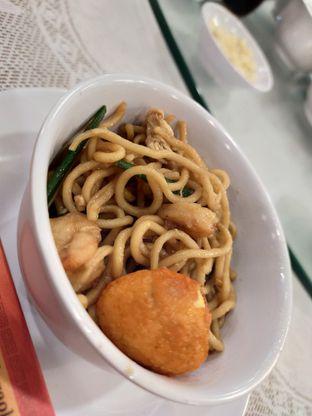 Foto 3 - Makanan(Bakmi Ulang Tahun) di Golden Leaf oleh Komentator Isenk