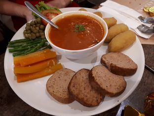 Foto 3 - Makanan(Galantine keukenhof) di Kayanna Indonesian Cuisine & The Grill oleh Anggriani Nugraha
