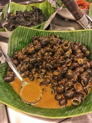 Foto 4 - Makanan(Tutut) di Alas Daun oleh Fadhlur Rohman