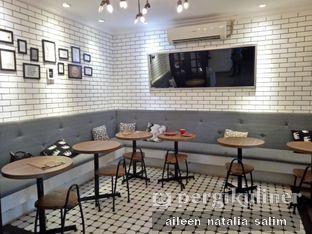 Foto 2 - Interior di Qubico Coffee oleh @NonikJajan