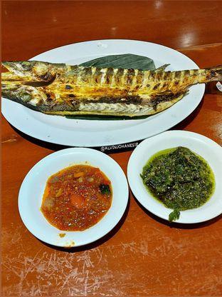 Foto 9 - Makanan(Ikan Alu-Alu Bakar) di Live Seafood Cabe Ijo oleh Alvin Johanes