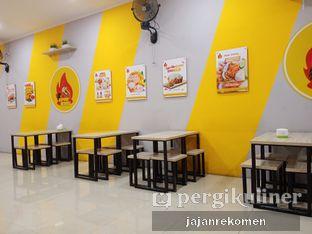 Foto 5 - Interior di Geprek Bensu oleh Jajan Rekomen