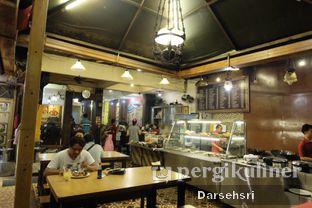 Foto 9 - Interior di Nasi Bebek Ginyo oleh Darsehsri Handayani