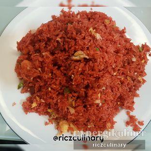 Foto 1 - Makanan(Nasi Goreng Merah (Dari Atas)) di RM Irtim Makassar oleh Ricz Culinary