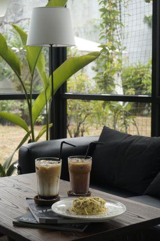 Foto 1 - Interior di Semusim Coffee Garden oleh yudistira ishak abrar