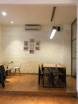 Foto 10 - Interior di Coffee Motion oleh natalia || (IG)natjkt_foodie