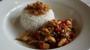 Foto 2 - Makanan(Nasi ayam rica-rica) di Me Time oleh Kelvin Tan